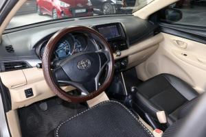 Bán Toyota VIOS E 1.5MT màu bạc số sàn sản xuất 2016 biển Sài Gòn đi 63000km