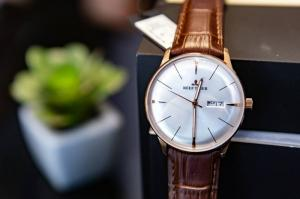 Sale sốc đón Noel cùng đồng hồ REEF TIGER