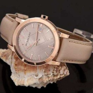 Đồng hồ Thụy Sỹ Nữ thương hiệu BURBERRY Kính Sapphire Chống Xước