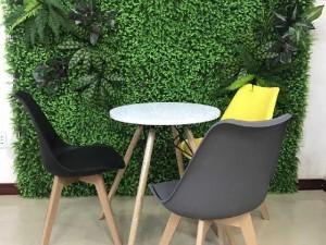 Bàn ghế cafe mặt nhựa chân gỗ giá tại