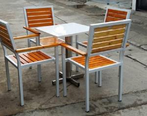 Bàn ghế gổ  quán nhậu giá tại xưởng sản xuất HGH 00440