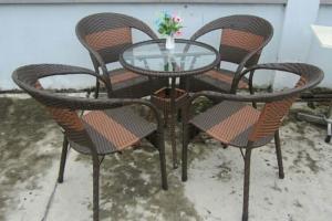 Bàn ghế cafe mây nhựa  màu đồng giá rẻ tại xưởng sản xuất HGH 00044