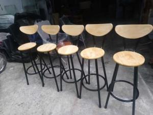Ghế gỗ chân cao kinh doanh quán bar