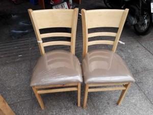 Thanh lý gấp bộ ghế gỗ bọc nệm màu nâu