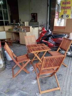 Bàn ghế gỗ gấp xếp tiện lợi