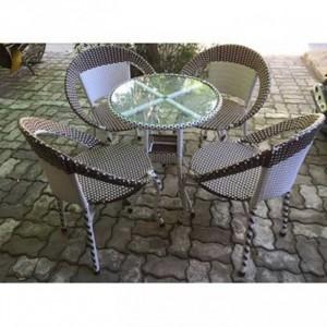 Bộ bàn tròn mặt kính với ghế mây nhựa