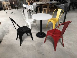 Ghế nhựa đủ màu bàn bàn mặt tròn màu trắng