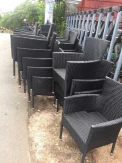 Ghế nhựa giả mây màu đen
