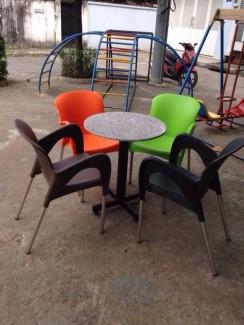 Lô ghế nhựa cafe chân inox nhiều màu sắc
