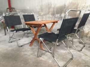 Thanh lý 4 ghế xếp 1 bàn xếp cafe gỗ