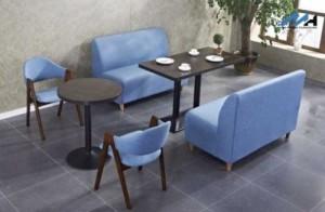 Ghế sofa màu xanh dương tươi trẻ