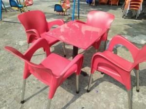 Thanh lý bộ bàn ghế nhựa nữ hoàng giá rẻ tại tphcm