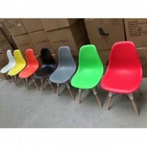 Ghế nhựa nhìu màu,giá rẻ