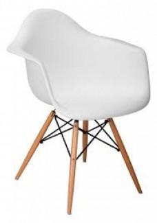 Ghế nhựa màu trăng có 4 chân gỗ
