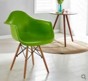 Cần bán ghế nhựa xanh lá cây
