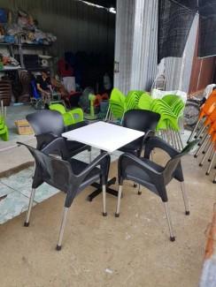 Bàn ghế cho kinh doanh cafe giá xưởng chỉ có tại Nội Thất Nguyễn Hoàng