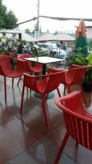 Thanh lý lô ghế nhựa giá rẻ cho kinh doanh quán cafe