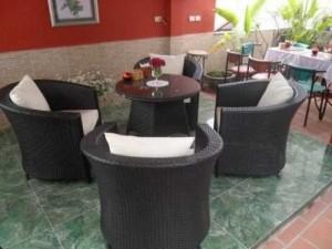 Bộ bàn ghế nhựa giả mây giá rẻ cho kinh doanh quán cafe