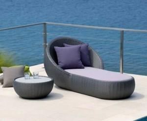 Ghế nhựa giả mây có thể nằm dành cho khu resort