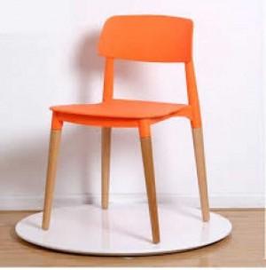 Ghế nhựa chân gỗ thiết kế riêng cho phòng làm việc năng động