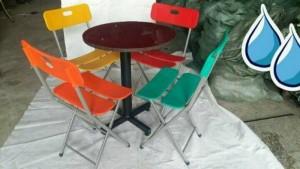 Bộ bàn ghế nhựa có lưng tựa nhìu màu