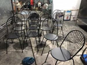 Ghế sắt giá rẻ cho kinh doanh cafe sân vườn