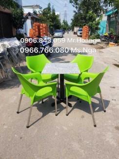 Bộ bàn ghế nhựa đúc siêu rẻ màu xanh lá cây