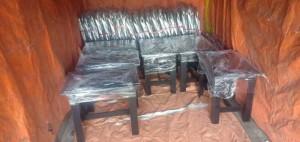 Lô bàn ghế gỗ vừa mới sản xuất