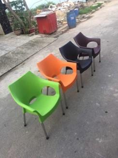 Các mẫu ghế nhựa được sử dụng nhìu