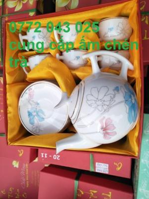 Đặt in bộ ấm chén trà làm quà tặng