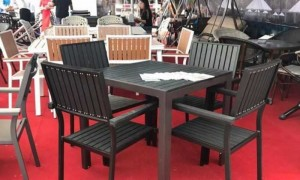 Cần bán gấp bàn ghế gỗ cafe,giá rẻ trên thị trường