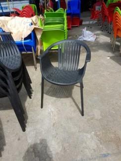 Ghế nhựa màu nâu kinh doanh cafe