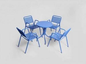 Cần bán bán bộ bàn ghế sắt màu xanh dương