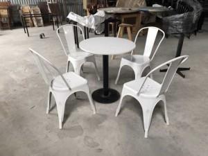 Bộ bàn ghế nhựa toelix màu trắng