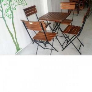 Bộ bàn ghế xếp chân sắt