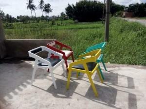 Ghế gỗ bọc nệm đủ màu ngoài trời