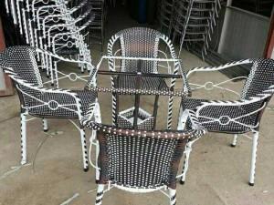 Thanh lý gấp 100 bộ bàn ghế cafe giả mây