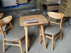 Mẫu bàn ghế gỗ phòng ăn sang trọng