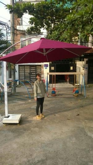 bàn ghế xiếp nhựa đúc ô dù cafe giá rẻ tại xưởng sản xuất HGH 0027