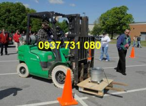Trường dạy lái xe nâng, xe cuốc, xe xúc