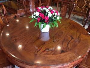 Bàn ăn tròn gỗ tự nhiên chất lượng cao