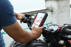 Kẹp điện thoại trên xe máy chống nước