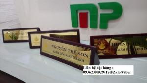 Biển chức danh để bàn bằng mica- Sản xuất tại quận Thanh Xuân