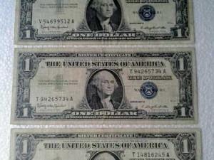 3 tờ 1 usd mỹ xưa năm 1957.