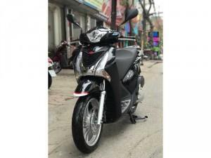 Bán SH Việt 150 khoá Smartkey 2016 màu đen chạy chuẩn 4000km- QUÁ MỚI. Bao test xe đổi tẹt ga trong vòng 7 ngày.