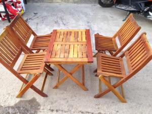 bàn ghế gổ cafe giá rẻ tại xưởng sản xuất HGH 463