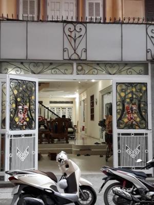 2019-01-17 16:20:12  2  Bán nhà Nguyễn Xiển, Hoàng Đạo Thành, Thanh Xuân 4T 150m2 kinh doanh đỉnh 12,000,000,000