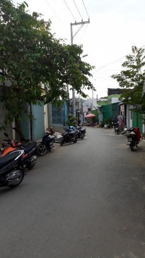 2019-01-17 16:43:29  2  Bán lô đất hẻm xe tải 1697 Lê Văn Lương, Nhơn Đức, Nhà Bè, vừa qua cầu Rạch Tôm. 2,380,000,000