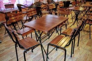 Bàn ghế gổ cafe giá rẻ tại xưởng sản xuất HGH 213