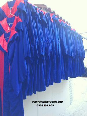 May áo lễ phục tốt nghiệp đại học